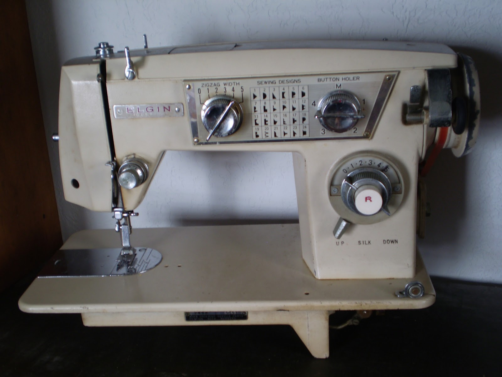 elgin sewing machine model 2468