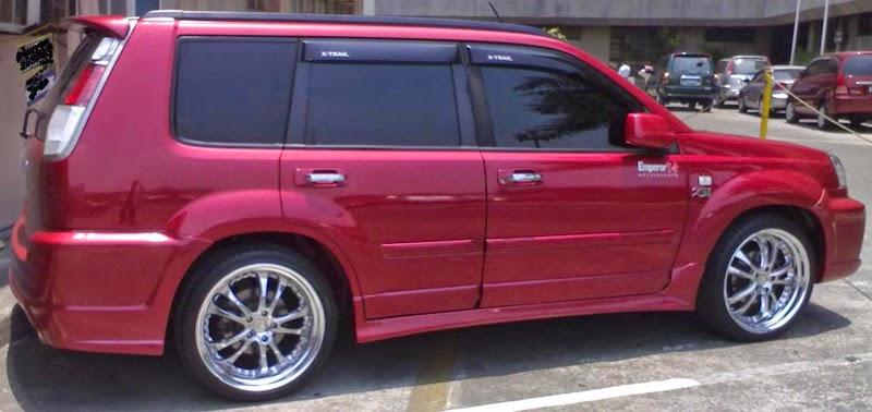 Modifikasi Mobil Nissan X-Trail Merah