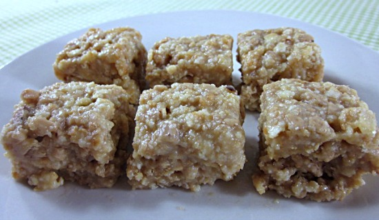 Featured Recipe | 3-Ingredient No Bake Toffee Bars from Grandma Loy's Kitchen #SRCHolidayTreats #recipe #nobake