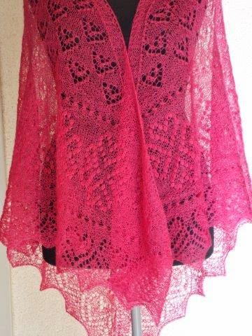TE KOOP: GROTE  Fuchsia roze merinwollen stola