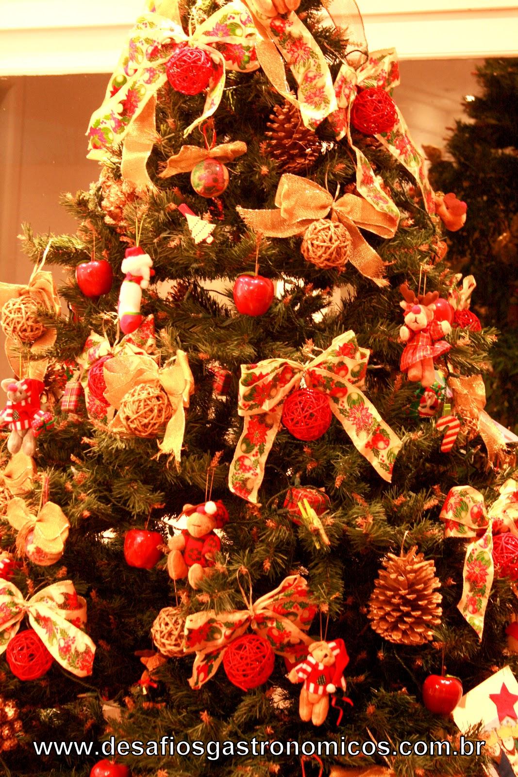 decoracao arvore de natal vermelho e dourado: : DESAFIO: Decorar a casa para um Natal Vermelho e Branco