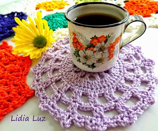 Cafezinho, toalhinhas de crochê