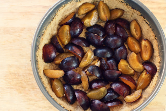 The Vanilla Bean Blog | plum walnut crumb tart