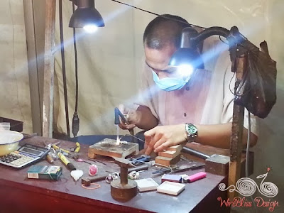 Craft Promotion Malaysia-a silver smith at work Wirebliss