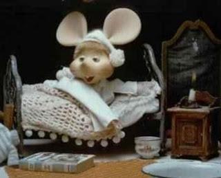 Topo Gigio en la cama