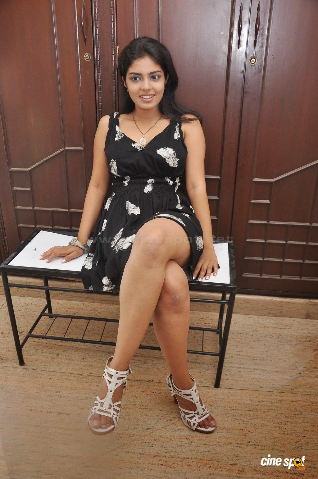 Janavi thighs