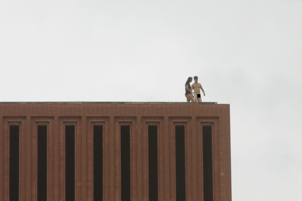 usc sex on roof pictures