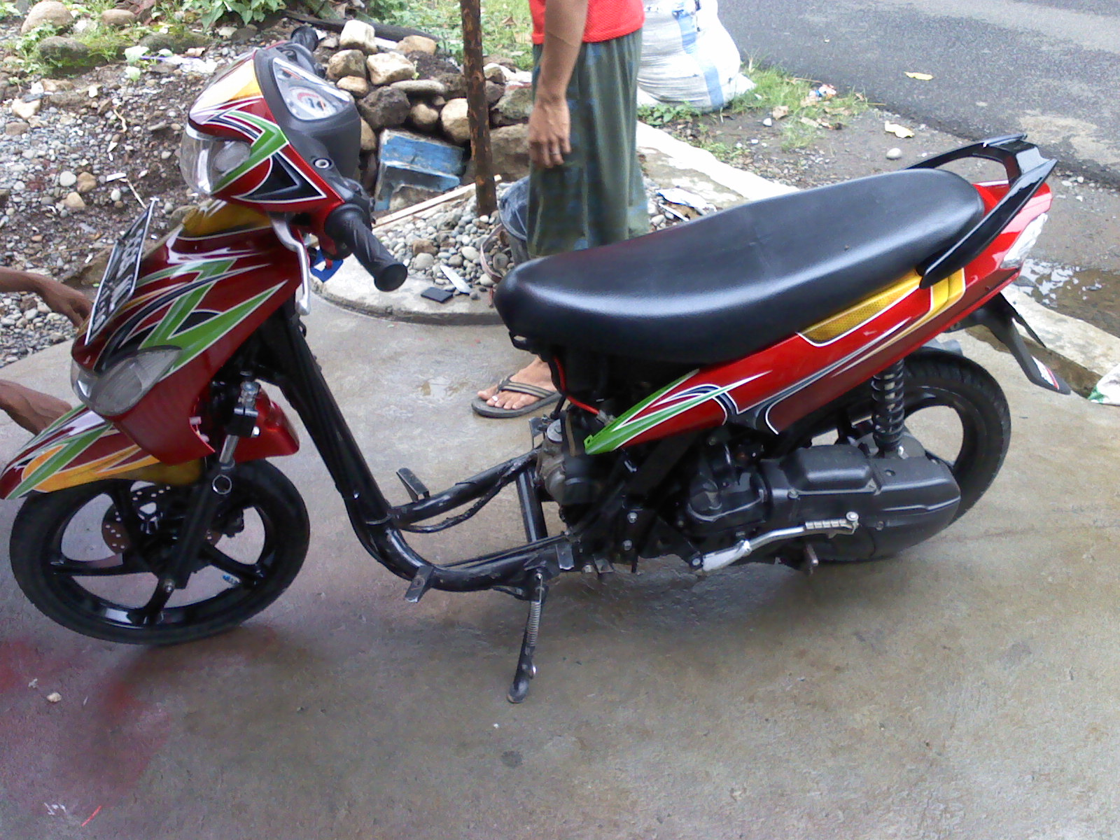 GUNS DESIGN Mio Sporty Merah Gonggo
