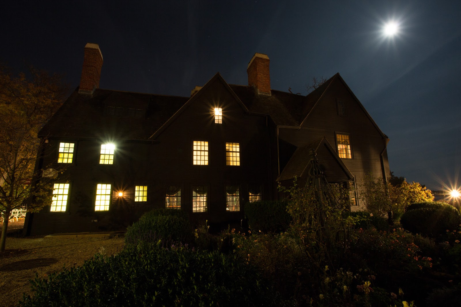 Salem haunted happenings for Salem house