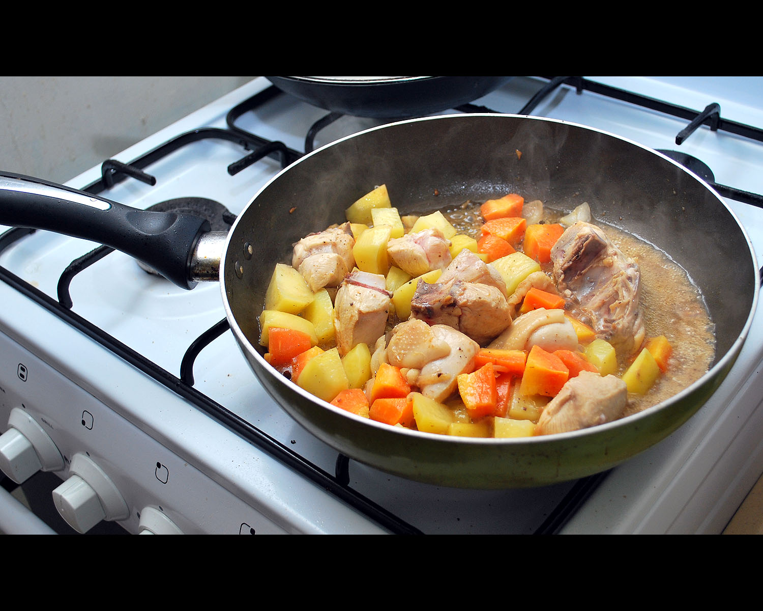 how to cook pininyahang manok with evaporated milk