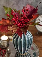 ваза с есенни листа