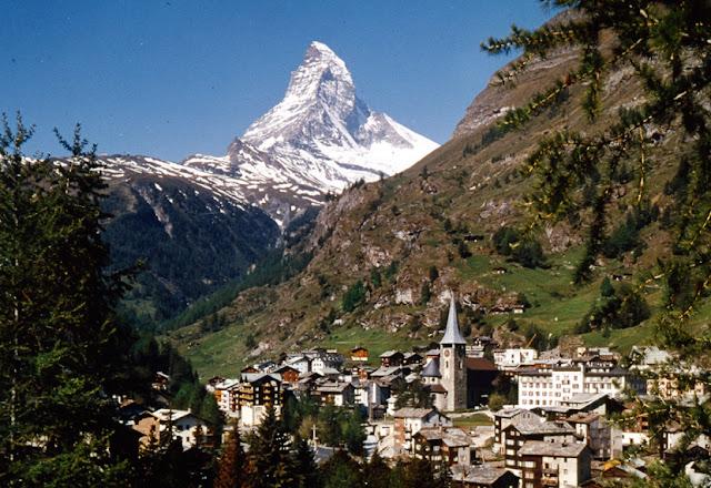 زيرمات قرية سياحية  في أعلى جبال سويسرا
