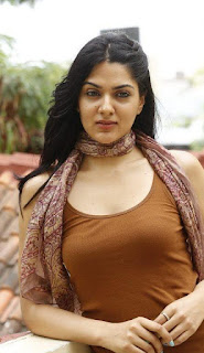 James Bond movie heroine sakshi chaudhary new photos
