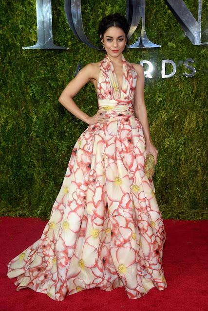 69ª Edição Tony awards 2015 - Vanessa Hudgens de Naeem Khan  red carpet