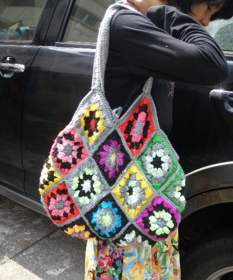 Hook n Needle Creations: Crocheted Granny Square bag