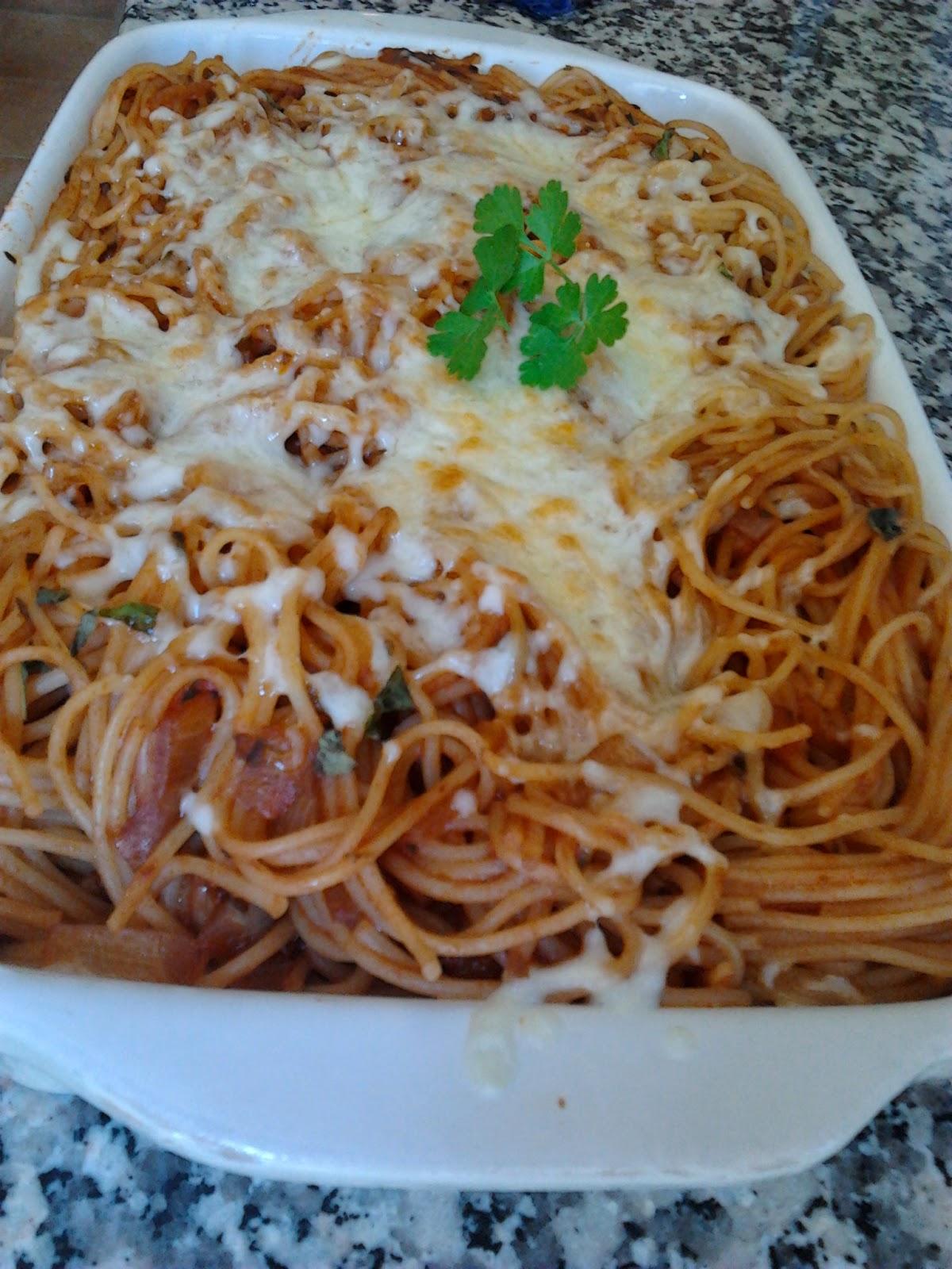 Espaghetti Con Salsa De Tomate Casero