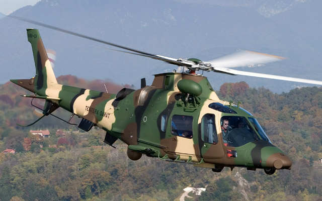 Gambar Helikopter Agusta Westland AW 109 LUH - 15