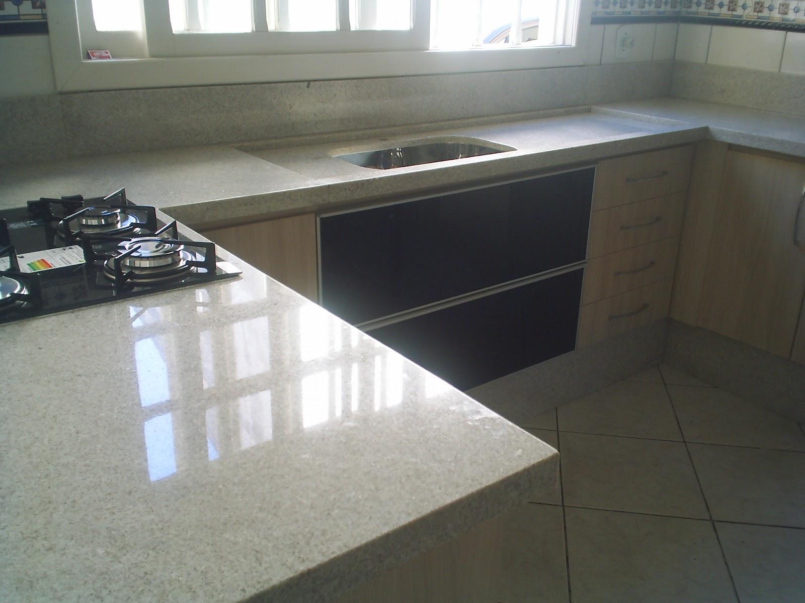 Cozinha em Granito Branco Itaúnas #5A5244 1600 1200