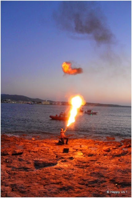 Ibiza - cracheur de feu