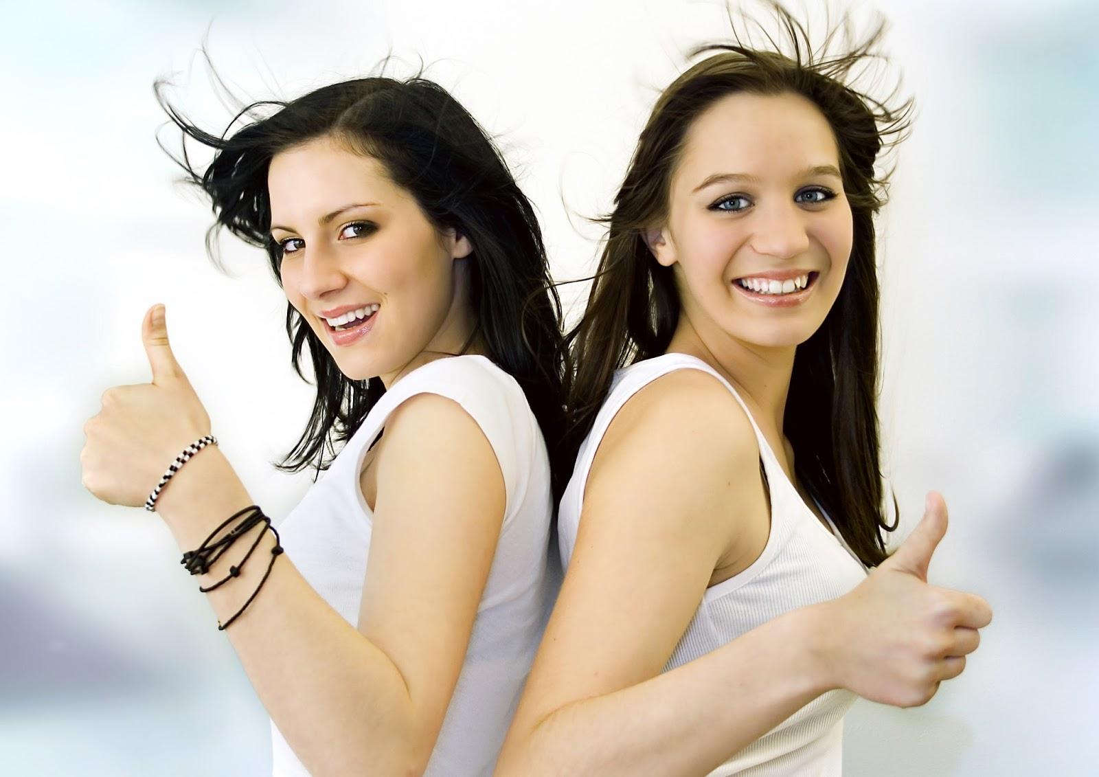 Слова к фото с двумя девушками