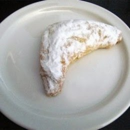 Kifli - Traditional Hungarian Pastry