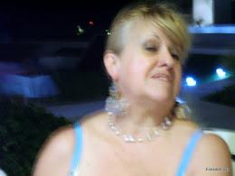 Sensual mirada y Perlas