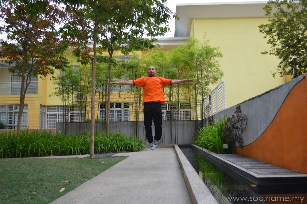 Levitation Photo - I can fly