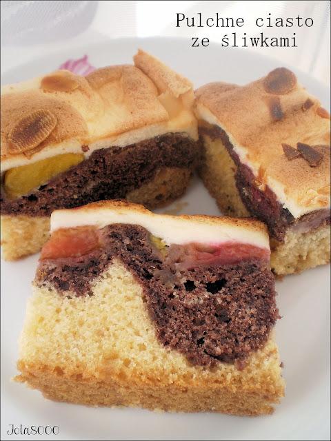 Pulchne ciasto ucierane ze śliwkami i kakao
