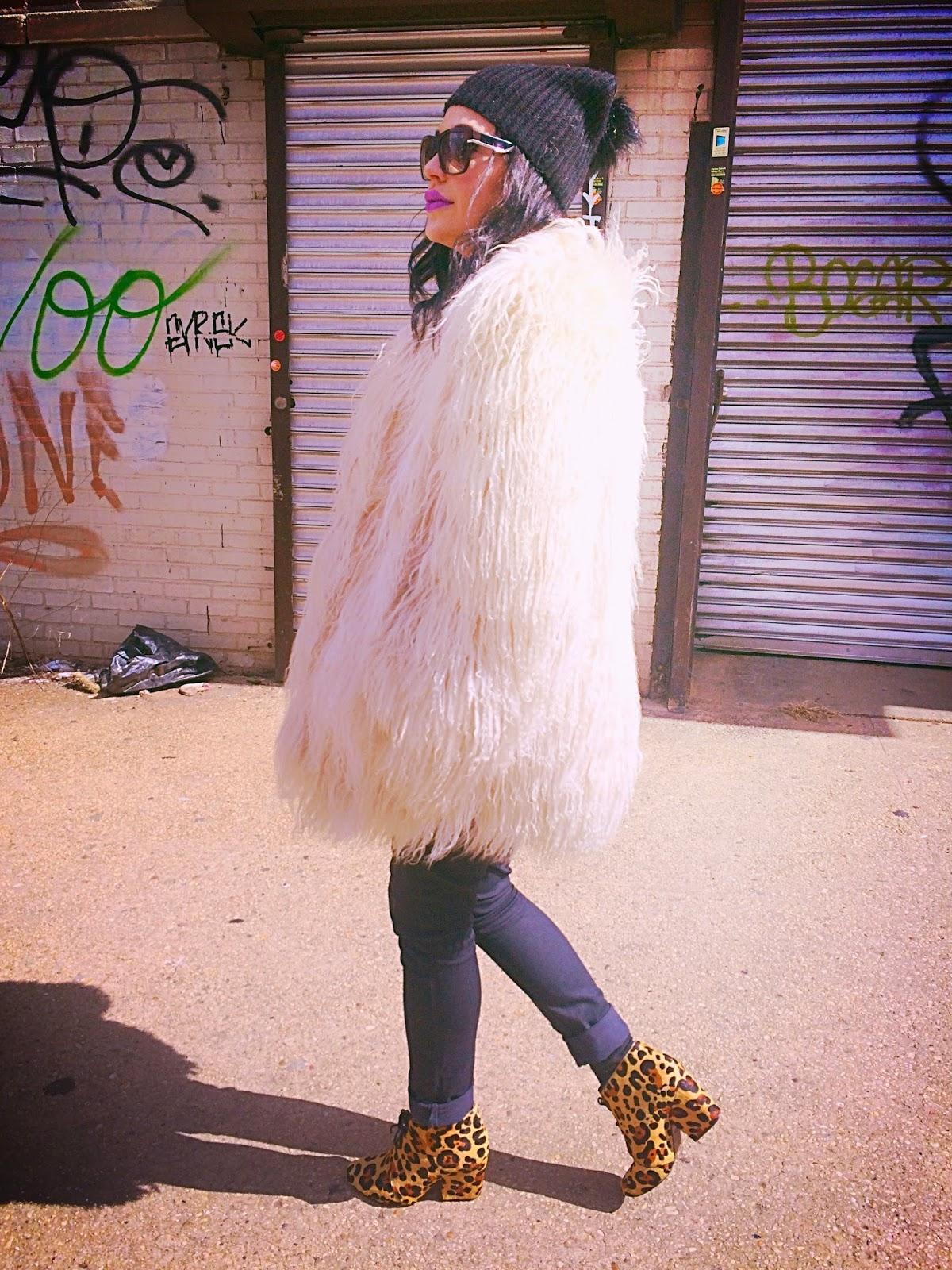 Brooklyn rocker girl outfit, Brooklyn wall graffiti, Brooklyn hip street art, NYC streetstyle, street style blogger, Olivia Inkster street writer, New York City rocker girl style