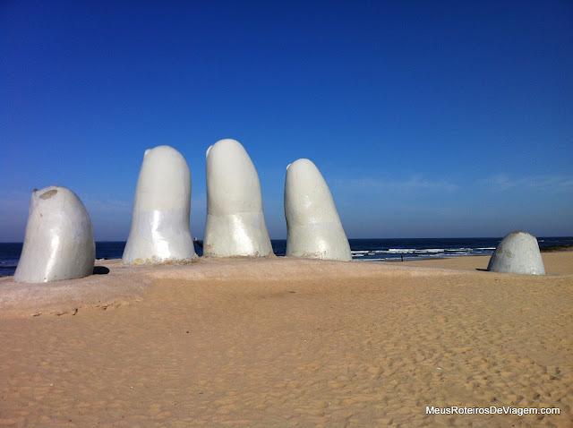 Monumento Los Dedos - Punta del Este, Uruguai