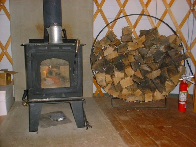 DIY-Wood-Stove-Heat-Shield