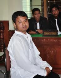 Penjara 2 Tahun 3 Bulan Untuk  Pembuat Halaman Facebook Penghina Agama foto: tribunnes.com