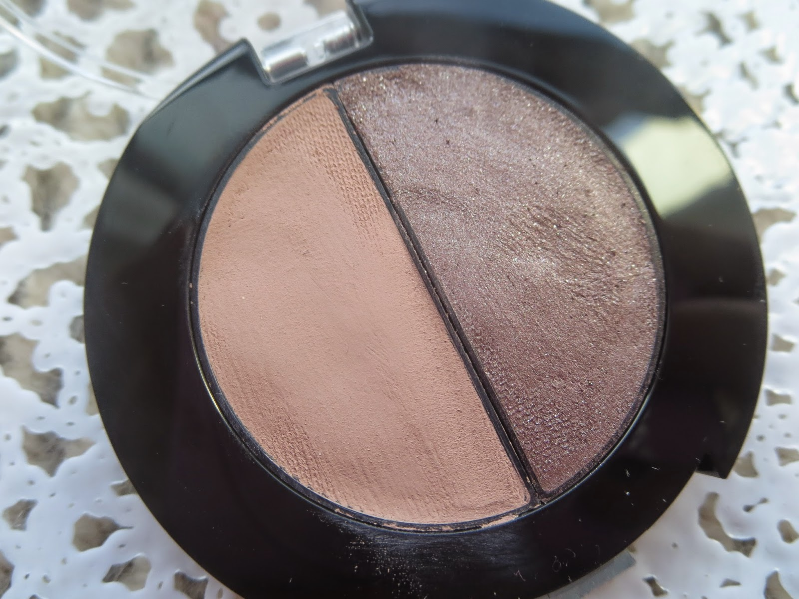 a picture of Maybelline Color Molten in Taupe Craze
