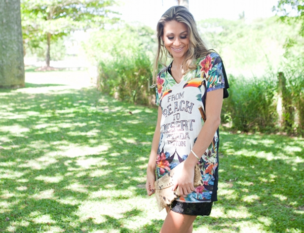 vestido-com-estampa-tropical