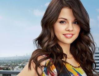 Selena Gomez-Hot