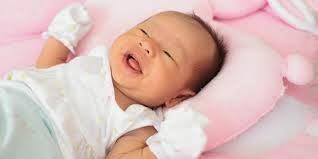 perkembangan bayi 4 bulan