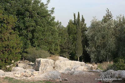 Sites and Attractions in Israel: The graves of the Maccabees (Book of Maccabees, Khirbet Umm al-Umdan, Titura Hill,Modi'in)