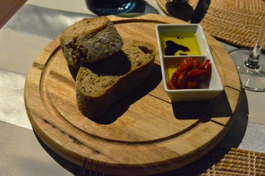 Zeascape Restaurant Phuket bread