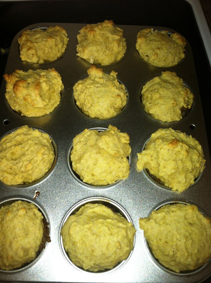 Cooking With The Frugal Navy Wife: Chili-Cornbread Cups