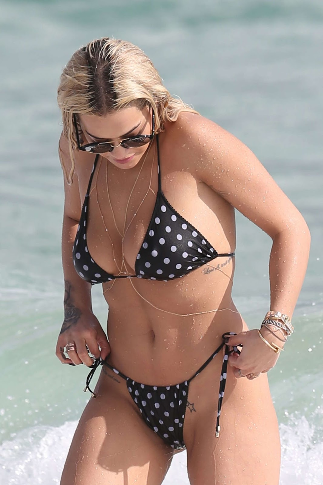 Rita Ora in Bikini in Miami - Photo Rita Ora 2016