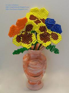 Цветы анютины глазки из бисера