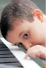 Musicoterapia para niños autistas.  Bogotá.