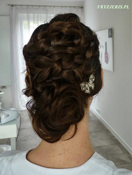 Upięcie na włosach za ramiona - zdjęcie