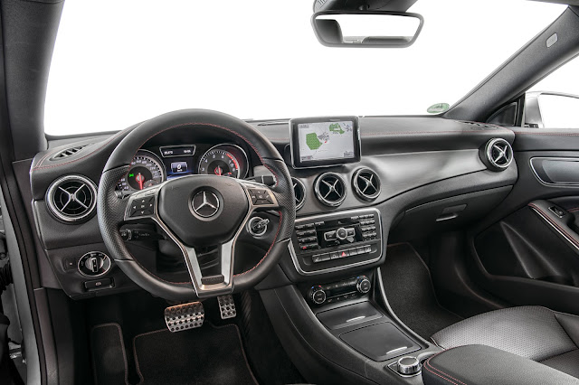Mercedes-Benz CLA 250 Sport Interior
