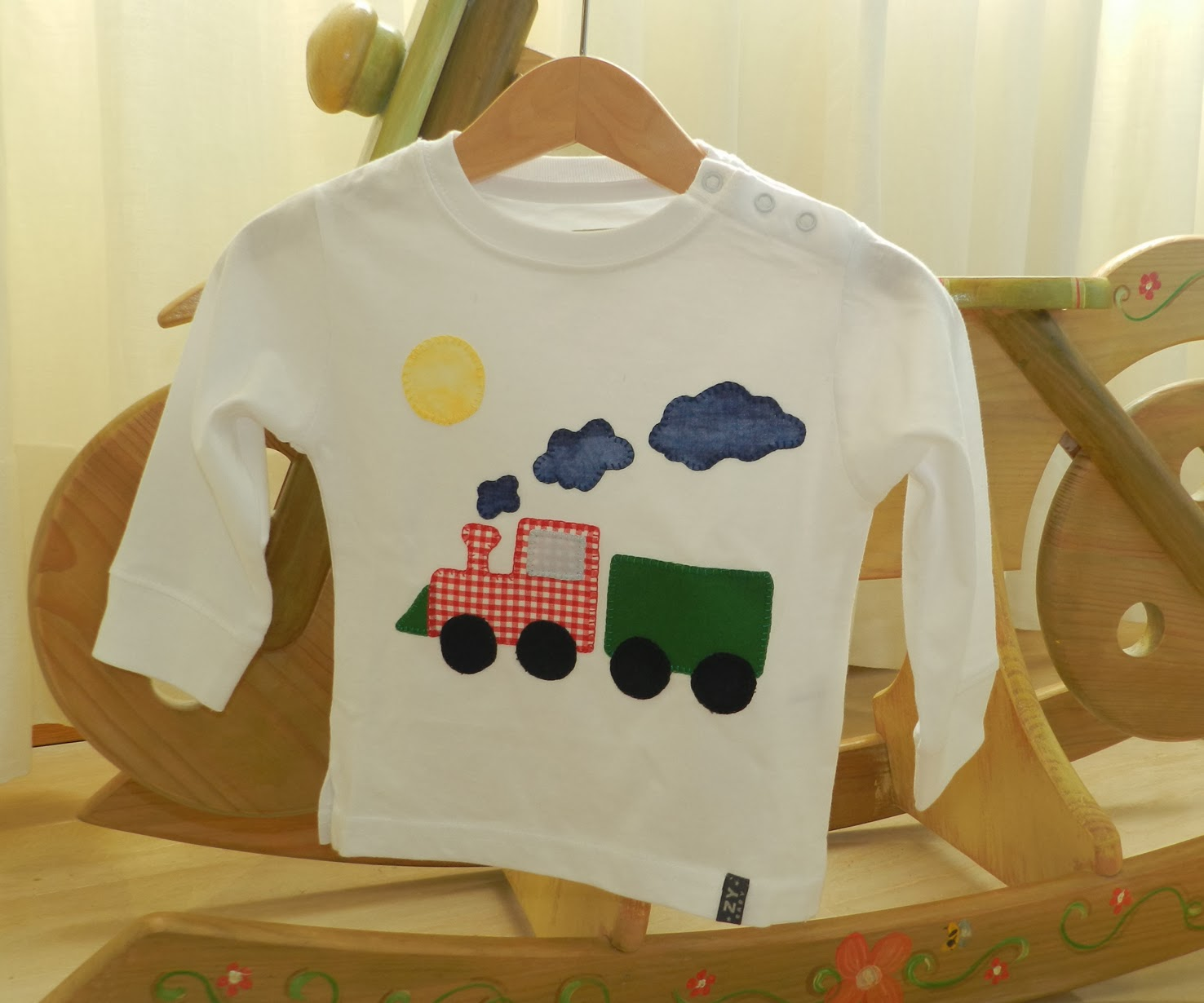 camisetas,, camiseta, camisetas niños, camiseta patchwork, camisetas patchwork, camisetas patchwork niños, camiseta tren, tren, camiseta niño patchwork, aplicaciones, aplicaciones patchwork,