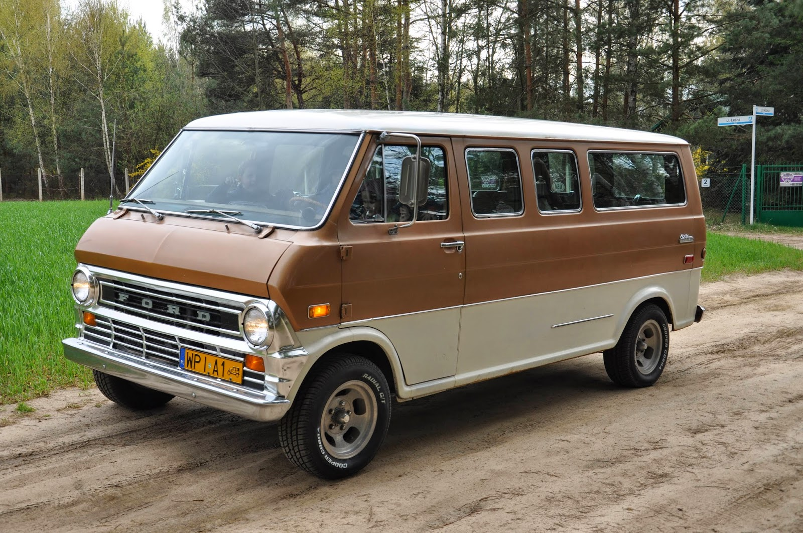 2017 Ford Econoline Van >> Rebel Rides Behind the Iron Curtain: 1972 Ford E200 Chateau Club Wagon walk-around video