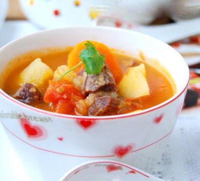 Các món ngon từ thịt bò cho mẹ bầu - Súp khoai tây hầm thịt bò