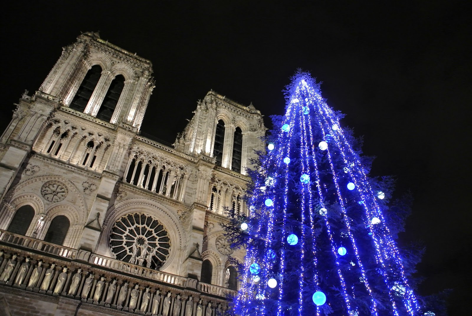 Le blog de gabrielle aznar les illuminations no l paris 2014 - Illumination a paris ...