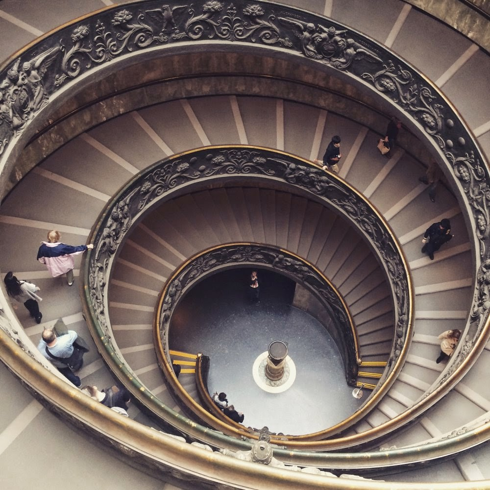 Treppen in den Vatikanischen Museen