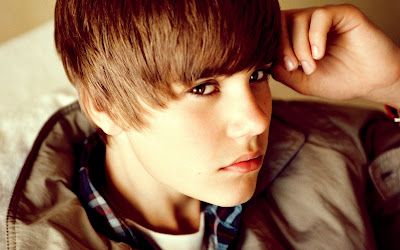 Justin Bieber (Wallpaper de 1920x1200px)